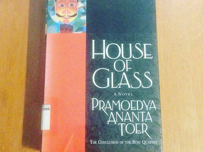 800px-house_of_glass_by_pramoedya_ananta_toer