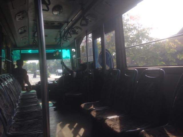 transjakarta_feeder_bus